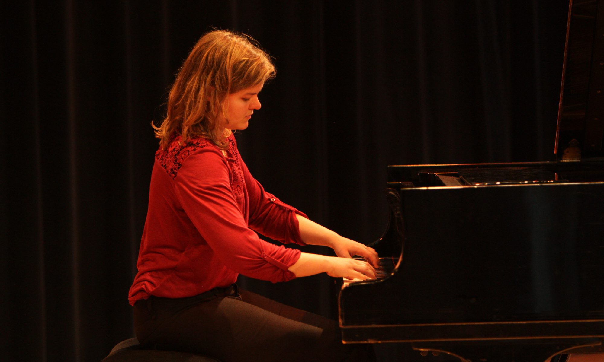 Roelfke Huttenga, pianiste